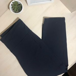 Althleta Navy Active Cropped Leggings